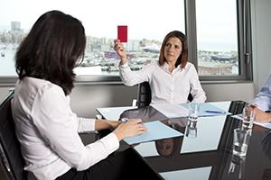 Как происходит расчет выходного пособия при увольнении сотрудника?