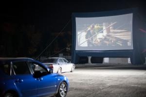 Автомобильный кинотеатр на свежем воздухе как бизнес
