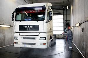 Как открыть автомойку с нуля: бизнес-план на примере грузовых автомобилей