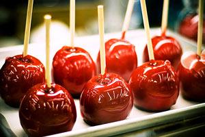 Как сделать яблоко в карамели и неплохо на этом заработать?